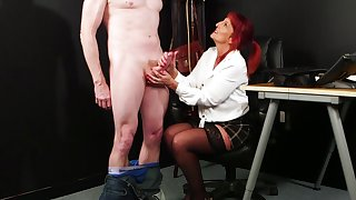 Mature gets their way hands on a fresh dick for the ultimate tryout