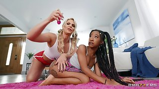 Lesbian interracial sex on the bed - Phoenix Marie and Mini Stallion