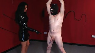 Masked supplicant plays obedient for thirsty mistress