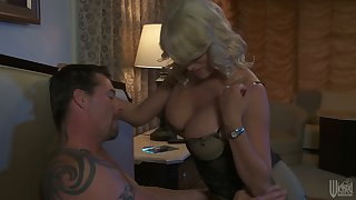 Jaw dropping blond milf Stormy Daniels gives her head and gets her pussy slammed