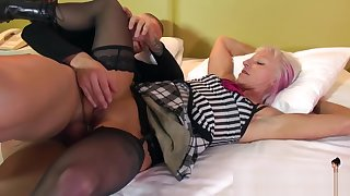 Realy Nice Mommy Les Gets Fucked Hard Young Dad's Friend