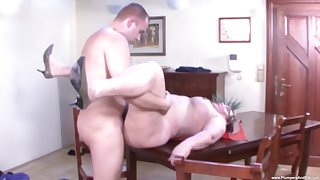 Mature amateur Rose B. drops on her knees to apologize him everlasting